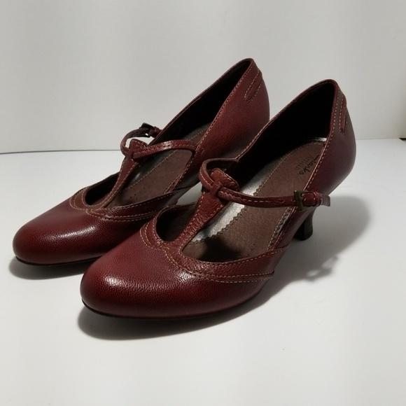 ee1e363594f Clarks Shoes - Clark s Active Air pumps
